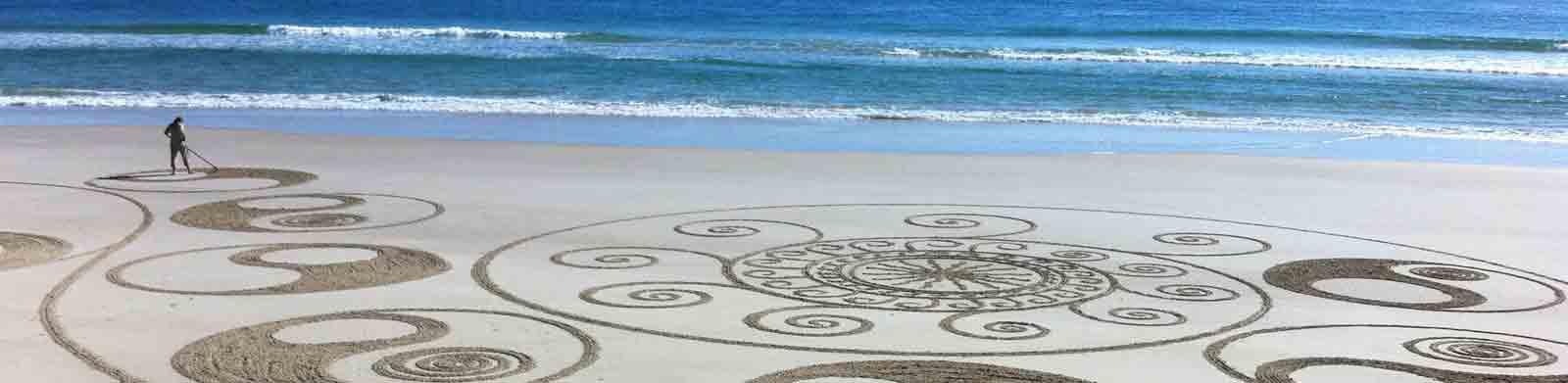 byron-coaching-sand-mural